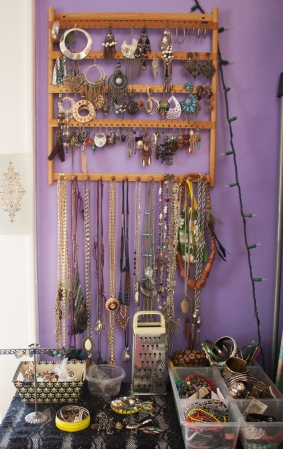 I love to make, fix and alter jewelry. I describe my style as thrifty and bohemian.